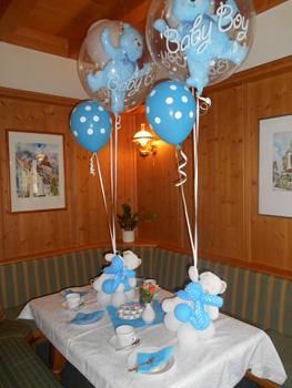 luftballons tischdekoration zur taufe n rnberg f rth erlangen. Black Bedroom Furniture Sets. Home Design Ideas